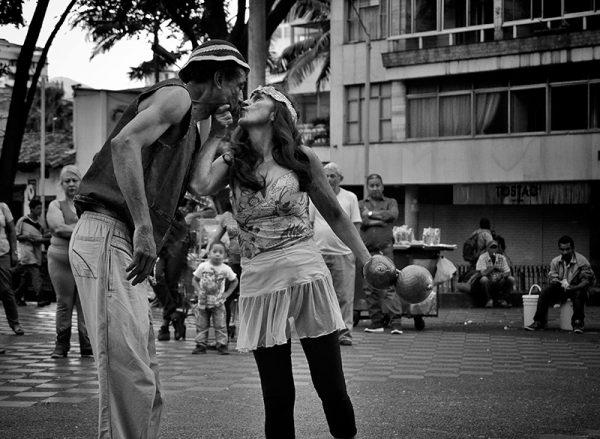 Carángano y el amor en las tablas callejeras